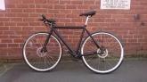 "£400 Black Disc Hybrid, 21"" ally frame, 27 speed, hydraulic disc brakes"