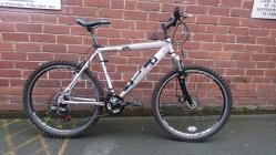 "£100 Diamondback M:05, 20"" ally frame, 26"" wheels, 21 speed"