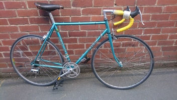 "£250 Pennine road bike, 21.5"" Reynolds 531 steel frame, 700C wheels, 12 speed"
