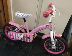 "£20 Hello Kitty, 14"" wheels, single speed"